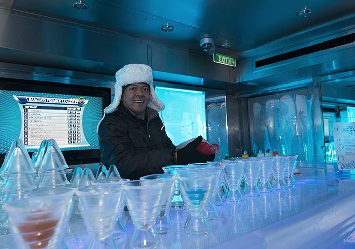 wodka in de ijsbar van cruiseship Norwegian Getaway